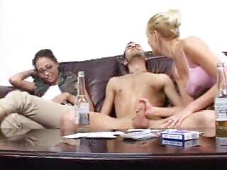 El chico mira como su novia es los mejores videos x en español follada por un extraño