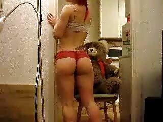 La perra rubia x español videos Naomi Cruise vino a tener sexo