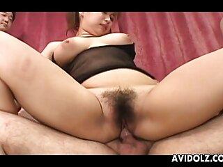 Dos milfs videos sexo por dinero en español chupan una polla