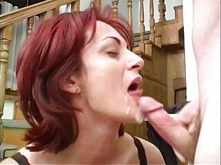 Chica xespañolas gorda con el coño sin afeitar recibe su polla