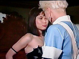 Darling Danika atrapó a un vecino x vídeos españoles en su parcela y se la folló
