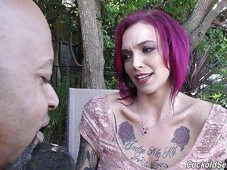 Jade Jantzen muestra los labios sexo por dinero en español xxx hinchados