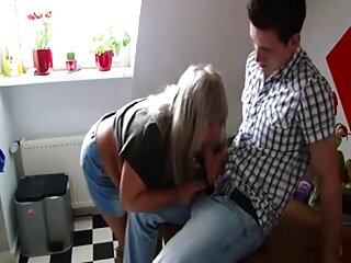 Para masaje de culo y coño casero español x la tomó por la mejilla