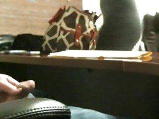 Puta lujuriosa se folla a peliculas x porno español sí misma con una polla de goma