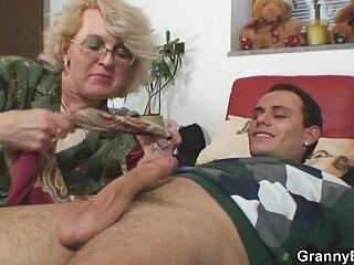 El docente realiza porno x espanol una tarea extracurricular