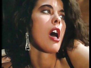 Varias videos x en castellano poses de Olivia Austin