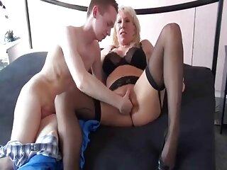 Brittany Shae toma un videos x subtitulados en español juguete y comienza a masturbarse