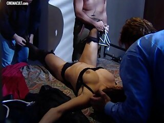 Tres videos x de españolas lesbianas salieron desnudas a la calle