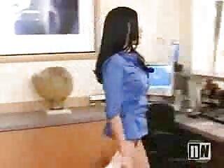 Amirah Adara videos 3 x en español se folló a un negro por un agujero en la pared