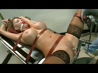 Lesbianas borrachas con un juguete de goma x video subtitulado
